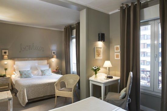 Hotel De La Paix Montparnasse: Suite Junior