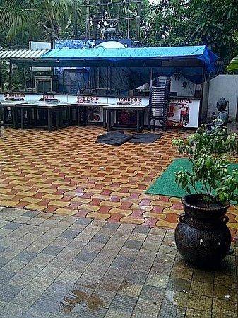 Nitya Resort: restaurant