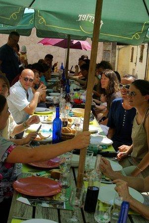 Le Pous Café : Un repas entre amis au Pous