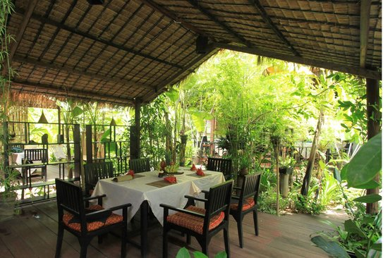 Petit Villa Boutique & Spa: relax with suronding tropical garden , pamper yourself after long day touring angkor wat.