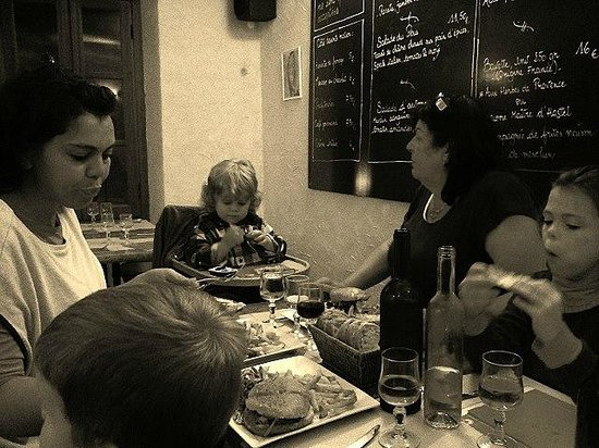 Le Pous Café : Repas en famille