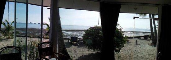 Am Samui Resort: Inside view of bungalow