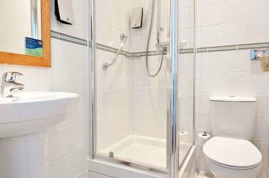Bathroom at the Innkeeper's Lodge Norwich