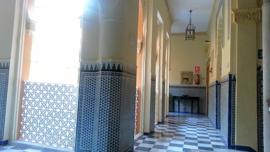 Hotel Zaida: I like how it looks like