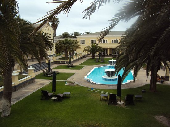 Swakopmund Hotel: Day View From Balcony to the Pool