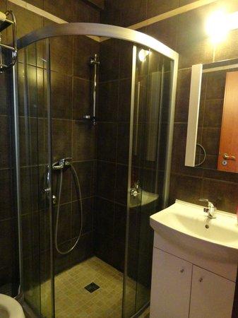 Avalon Rooms: Bathroom