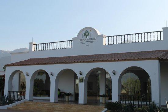 Hotel Nuevo Cantalloc: entrata dell'hotel