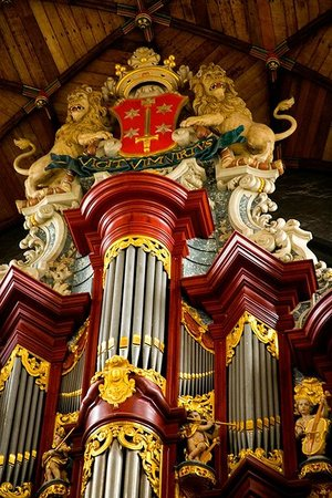 Haarlem, Hollanda: The organ - once played by Mozart.
