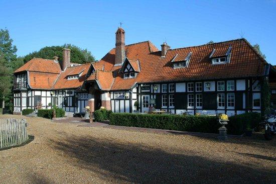 Kasteelhof 't  Hooghe: Front of hotel
