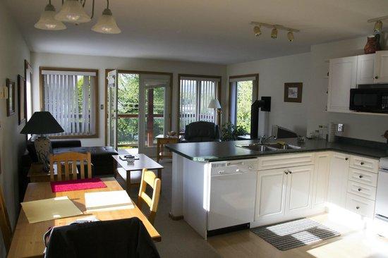 Bedwell Place Guest House: Zimmer mit Küche und Wohnbereich
