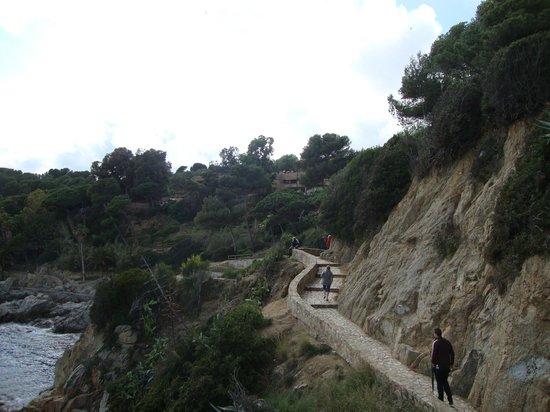 Castell de Sant Joan (Sant Joan Castle) : Пешеходная тропа