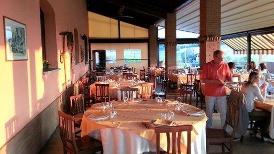 La Cantina dei Sapori: veranda esterne