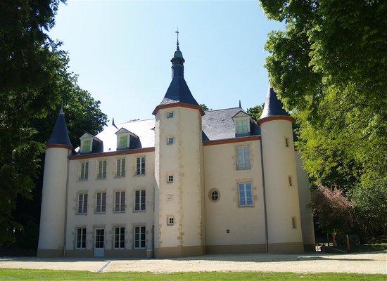 Chateau de la Motte : la façade du Chateau