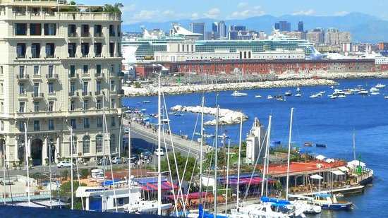 Mercure Napoli Angioino Centro: Overlooking the Marina