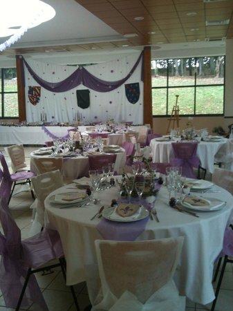 Louchy-Montfand, Francia: salle pour mariage médiéval