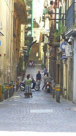 Mercure Napoli Angioino Centro : Street scene.