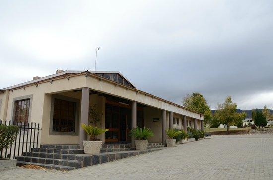 Sir Harry's Lodge : Main building