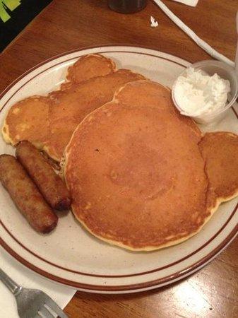 Chincoteague Diner & Restaurant: kids pancakes...so good!