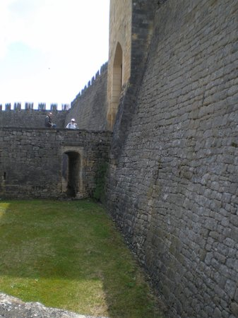 Chateau de Beynac: Over the dry moat