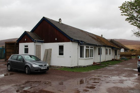 Hartfield House Applecross: Outside of the hostel