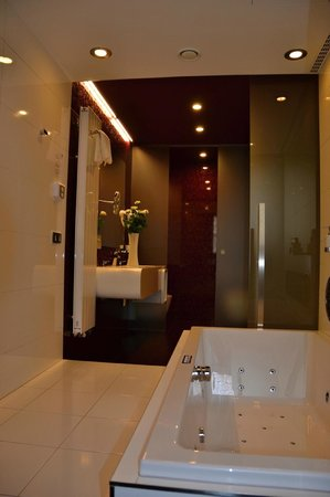 Hotel Arigone: Bathroom DESIGN