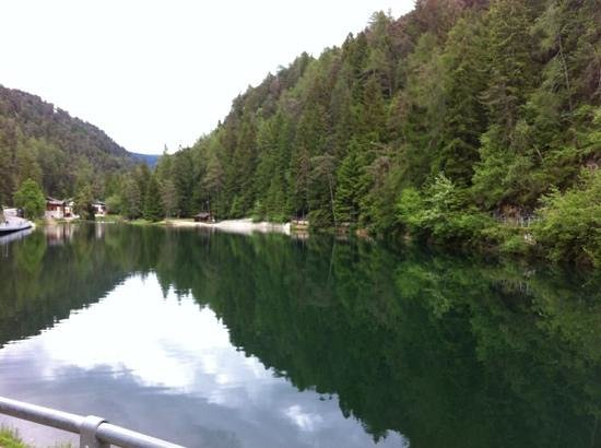 Fondo, Italie : Lago Smeraldo