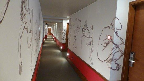 Riva Yacht Harbour Hotel: Hallway