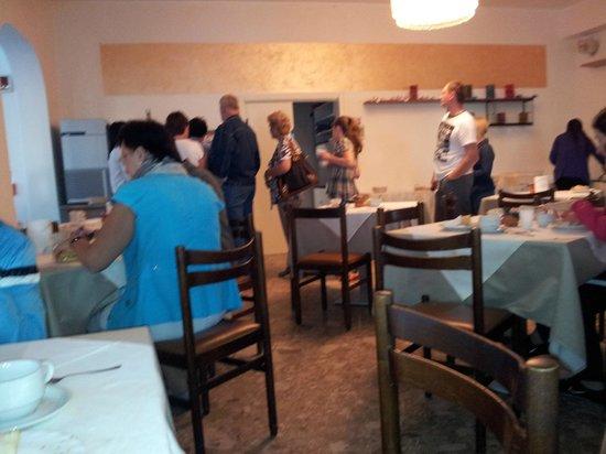 """Hotel Marilonda : Народ ждет чашки, которых уже """"ФИНИШ"""""""