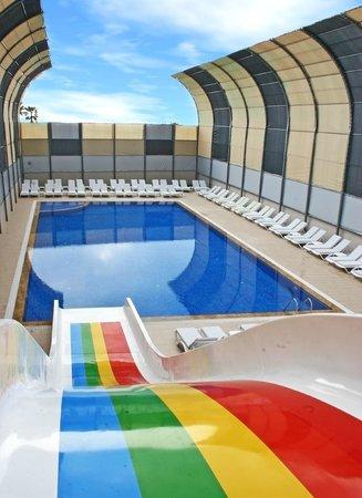 Grand Akca Otel: Bayanlar Havuzu / Swimming Pool for Female