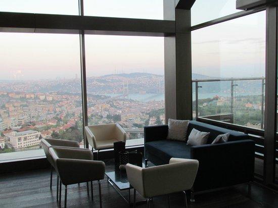 Renaissance Istanbul Polat Bosphorus Hotel: terrace restaurant