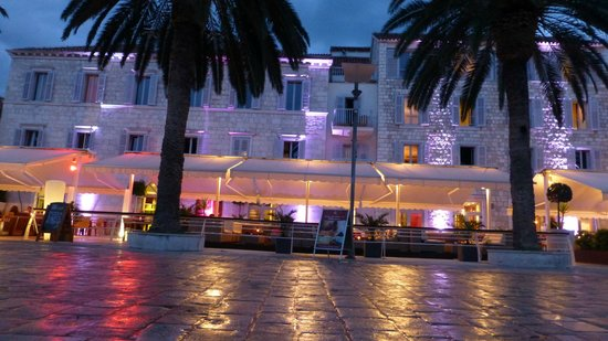 Riva Yacht Harbour Hotel: Hotel Front