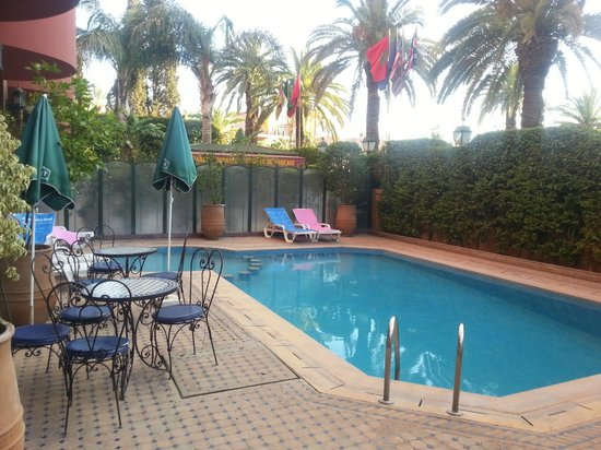 Hotel Akabar: Piscine