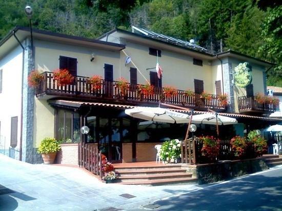 Ponteccio, Itália: facciata del ristorante!