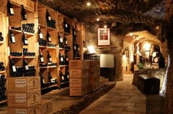 Transfer in Provence Private Tours : Les Vergers du Pape Vieille cave