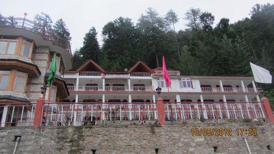 Hotel Rishi Palace : front view
