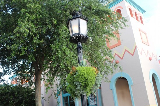 Disney's Coronado Springs Resort: basket
