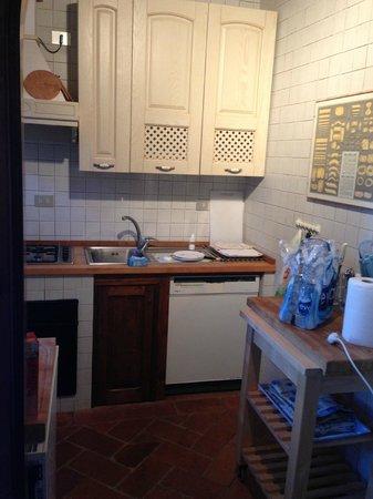 Villa San Bartolomeo: The functional Kitchen