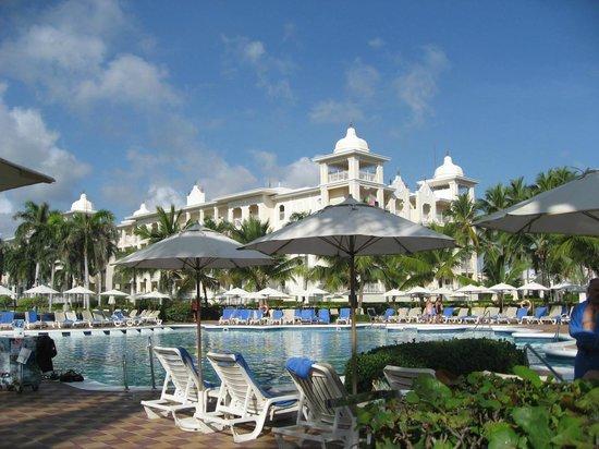 Hotel Riu Palace Punta Cana : pool area
