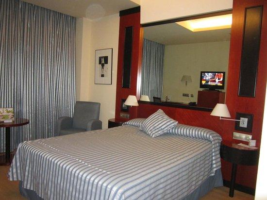 Hotel Olympia: Disfrutamos de esta habitación por cortesía del Hotel