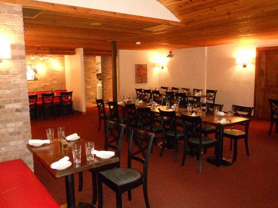 Nani's Cucina Italiana : dining room