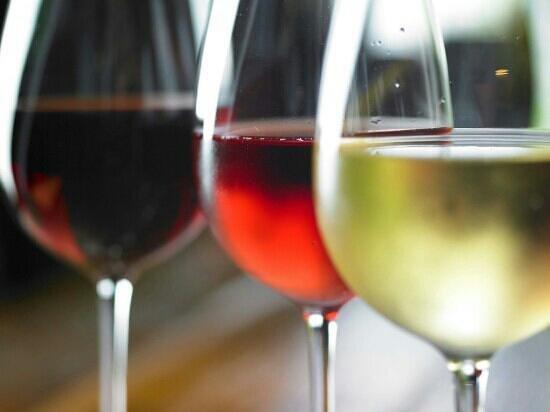 Hangon Makaronitehdas OY: Wines