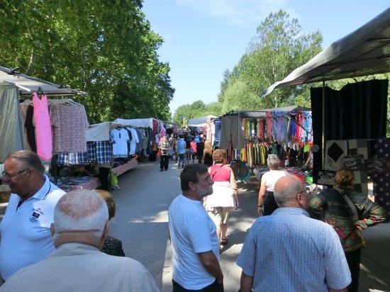 Parque de la Dehesa (Parc de la Devesa): il mercatino del martedì