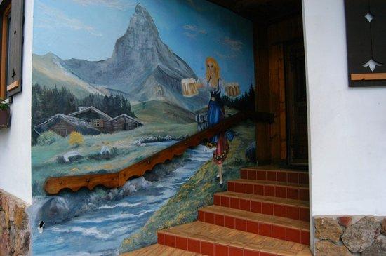 Bavarian Inn Lodge & Restaurant: Painting outside the entrance