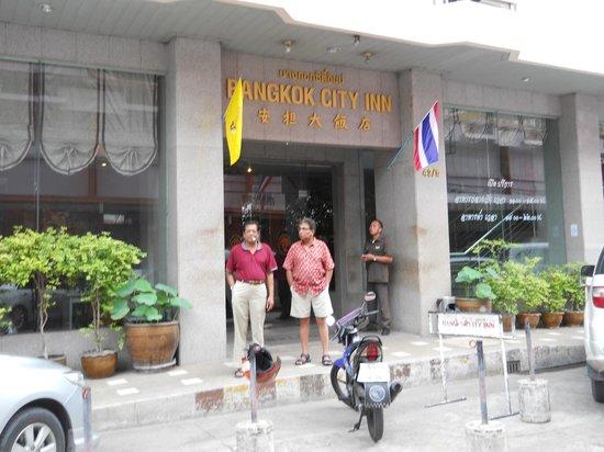 Bangkok City Inn : Hotel Entrance