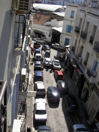Grand Hotel de France: vista dalla camera su Rue Mustapha M'Barek