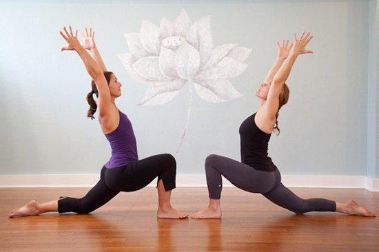 Jiva Yoga Center: Jean & Vicki