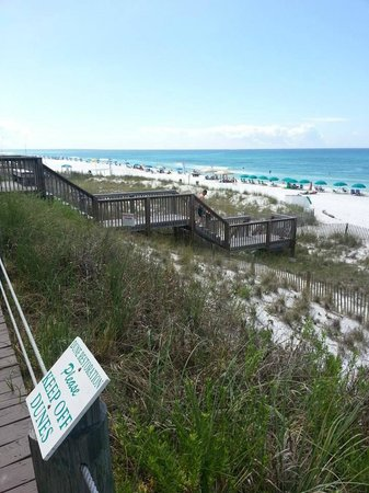 Crystal Sands Condominiums: Steps to the beach