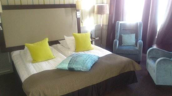 Clarion Collection Hotel Post: Nice double bed in room #120