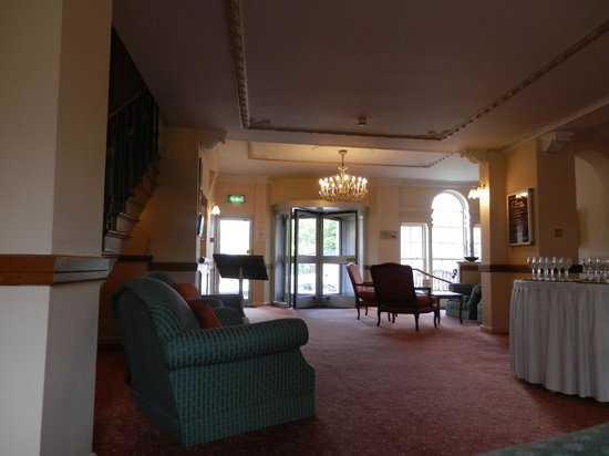 BEST WESTERN Banbury House Hotel: Reception, back entrance