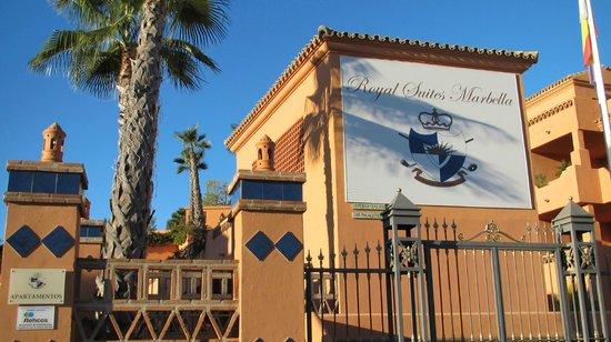 Royal Suites Marbella: La entrada
